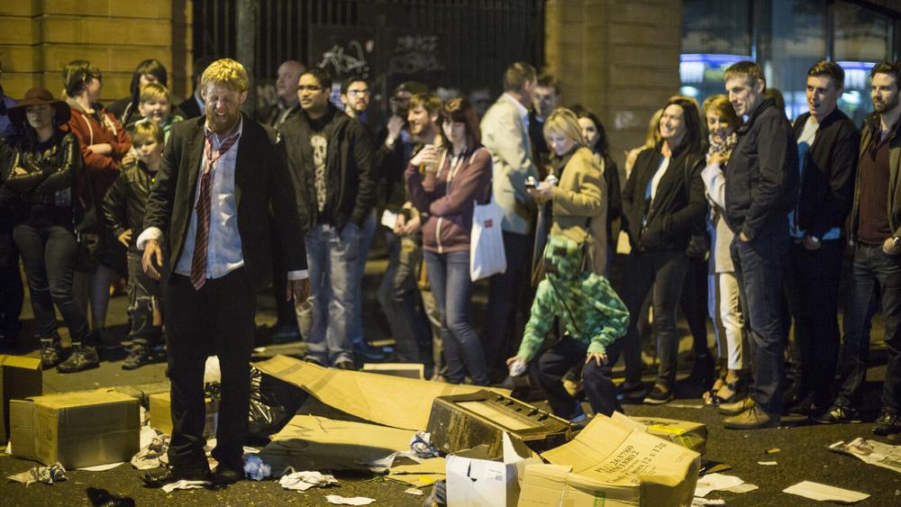 Mick and Crowd 2.jpg