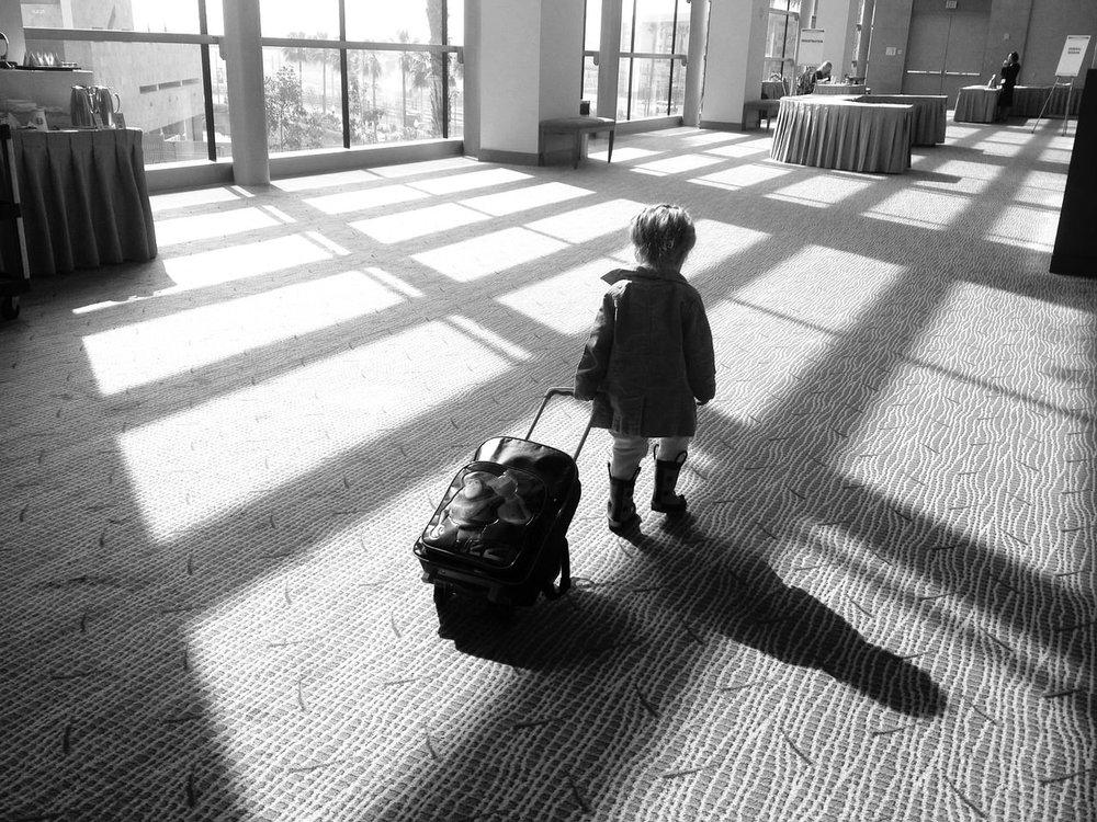 niños maleta.jpg