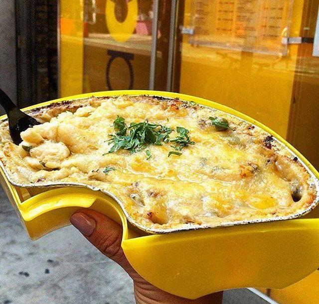 Carbonara mac attack! #macbar #saycheese #friyay #delicious #forkyeah #buzzfeedfood