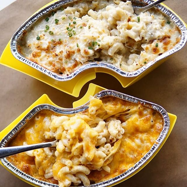 Tag a friend you'd share this #mac with! #eeeeeats #macandcheese #delish #picoftheday #food #foodie #cheese #forkfeed