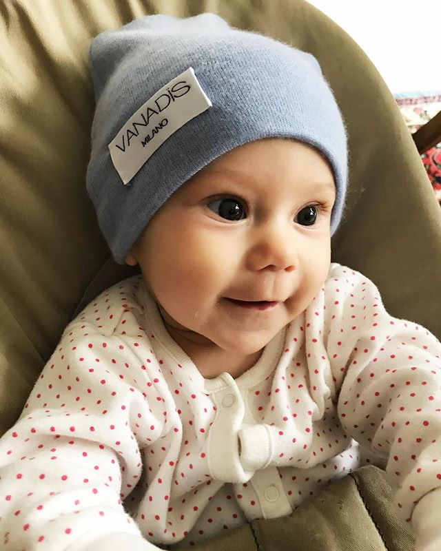 Hearts are melting when this little one is smiling 😍❤️@vanjalundberg @dwiraeus Btw did you know organic , long haired cashmere is not only super soft, it's also great for babies with sensitive skin. On top of that ours is ethical and animal friendly 😃💕🐑 #babyella #babycashmere #crueltyfree #fairtrade #cashmere #baby #babygirl #blue #fall #cosy #soft #cutestbabyever #wcw #smile #photography #photooftheday #daily #instagood #babies #baby #babyshower #mommyandme #mommyblogger #fashion #ootd #girl #cutie #love #sosweet #bigeyes #closeup