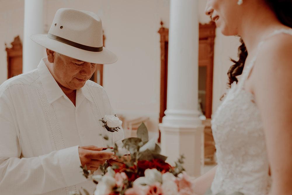 0103M&Jss_HaciendaTekikDeRegil_WeddingYucatan_WeddingDestination_FotografoDeBodas_FabrizioSimoneenFotografo_WeddingMexico.jpg