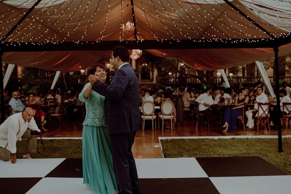 0357M&Jss_HaciendaTekikDeRegil_WeddingYucatan_WeddingDestination_FotografoDeBodas_FabrizioSimoneenFotografo_WeddingMexico.jpg
