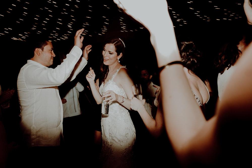0475M&Jss_HaciendaTekikDeRegil_WeddingYucatan_WeddingDestination_FotografoDeBodas_FabrizioSimoneenFotografo_WeddingMexico.jpg