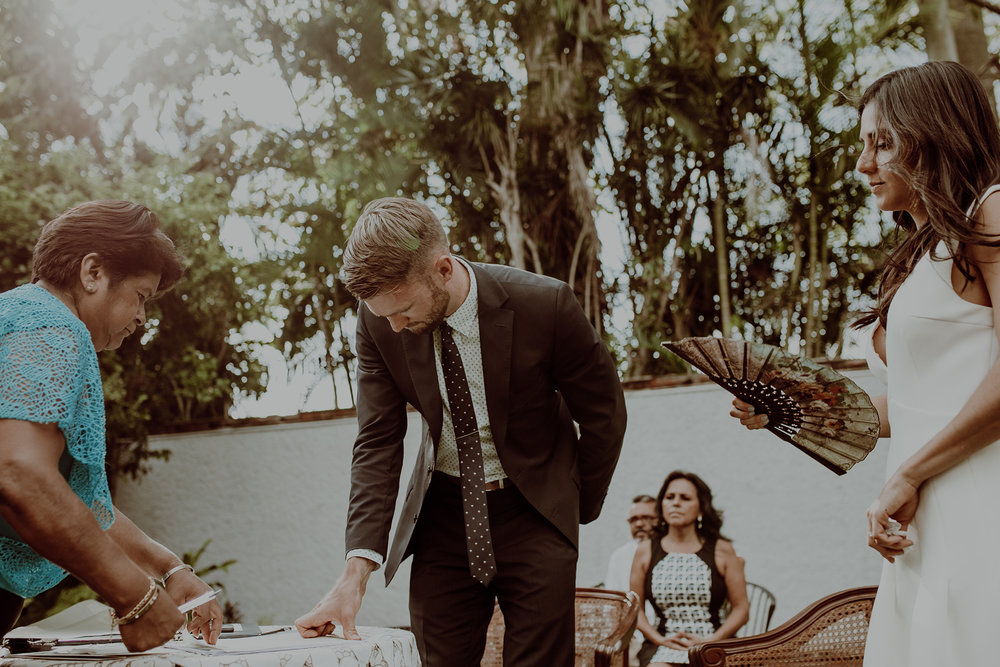 0187C_&_M_WeddingDstination_MeridaYucatan_HaciendasMerida_BodasMexico_BodasYucatan_Boda_Destino.jpg