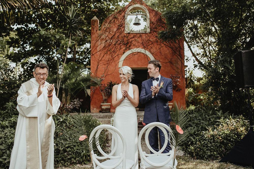 0105V&Pslide_Hacienda_WeddingDstination_MeridaYucatan_HaciendasMerida_BodasMexico_BodasYucatan_Boda_Destino.jpg