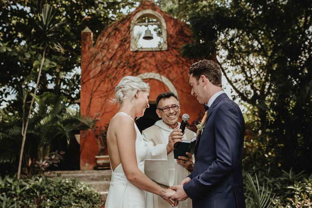 0112V&Pslide_Hacienda_WeddingDstination_MeridaYucatan_HaciendasMerida_BodasMexico_BodasYucatan_Boda_Destino.jpg
