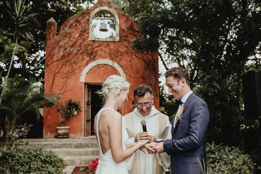 0119V&Pslide_Hacienda_WeddingDstination_MeridaYucatan_HaciendasMerida_BodasMexico_BodasYucatan_Boda_Destino.jpg