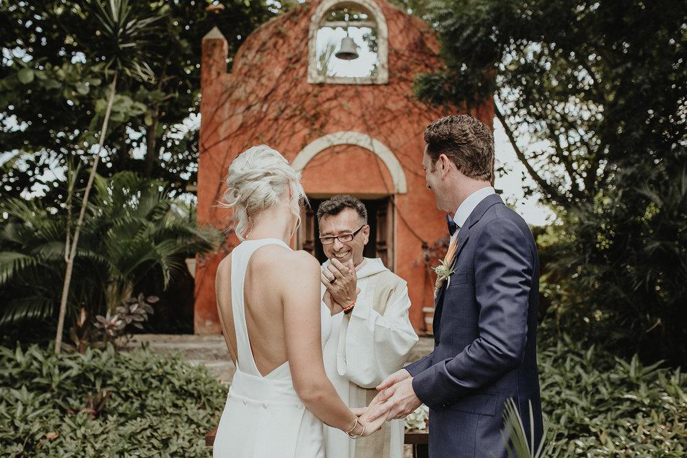 0127V&Pslide_Hacienda_WeddingDstination_MeridaYucatan_HaciendasMerida_BodasMexico_BodasYucatan_Boda_Destino.jpg