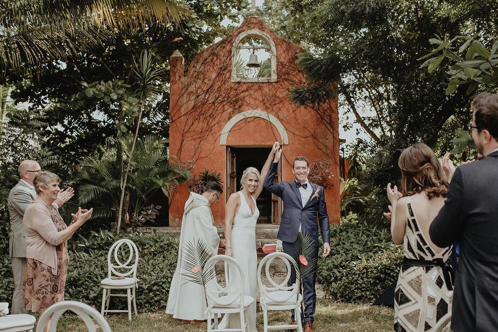 0131V&Pslide_Hacienda_WeddingDstination_MeridaYucatan_HaciendasMerida_BodasMexico_BodasYucatan_Boda_Destino.jpg