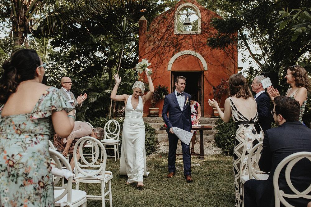 0154V&Pslide_Hacienda_WeddingDstination_MeridaYucatan_HaciendasMerida_BodasMexico_BodasYucatan_Boda_Destino.jpg
