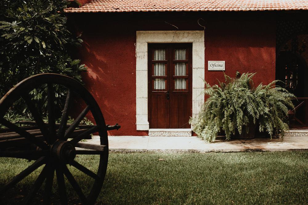 0116F&Yslide_WeddingDstination_MeridaYucatan_HaciendasMerida_BodasMexico_BodasYucatan_Boda_Destino.jpg
