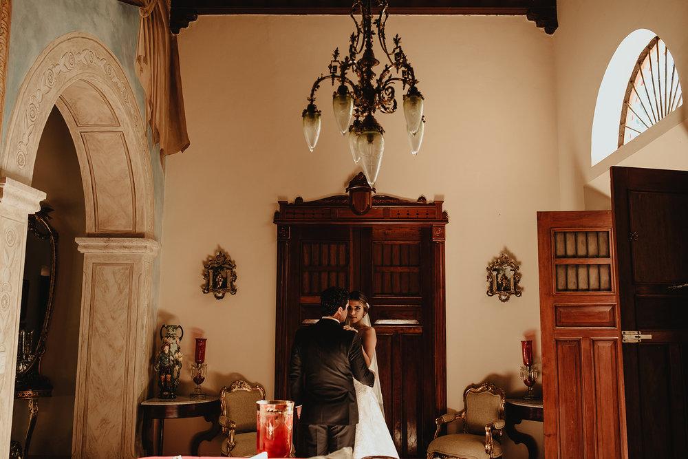0141F&Yslide_WeddingDstination_MeridaYucatan_HaciendasMerida_BodasMexico_BodasYucatan_Boda_Destino.jpg
