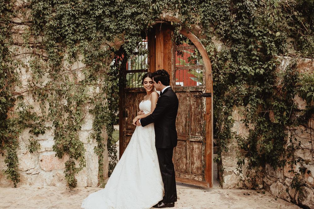 0176F&Yslide_WeddingDstination_MeridaYucatan_HaciendasMerida_BodasMexico_BodasYucatan_Boda_Destino.jpg