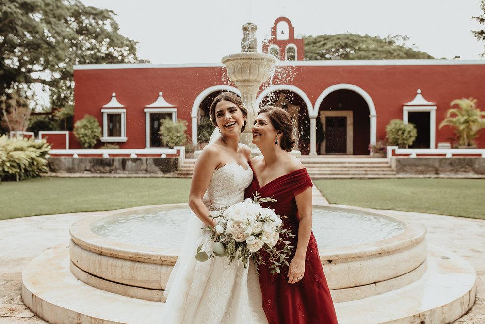0183F&Yslide_WeddingDstination_MeridaYucatan_HaciendasMerida_BodasMexico_BodasYucatan_Boda_Destino.jpg