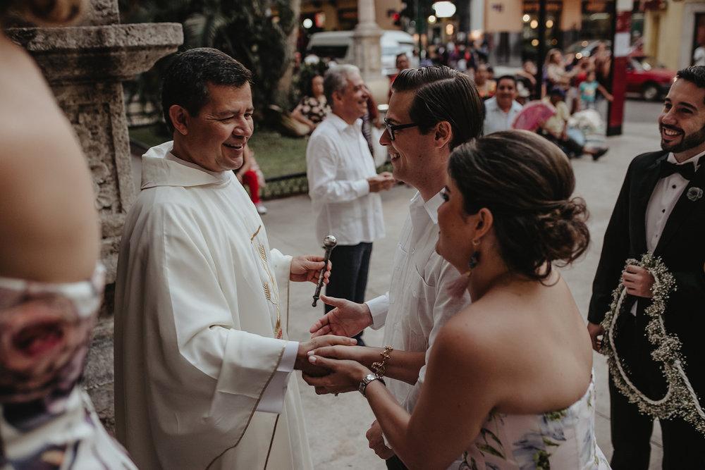 0214F&Yslide_WeddingDstination_MeridaYucatan_HaciendasMerida_BodasMexico_BodasYucatan_Boda_Destino.jpg