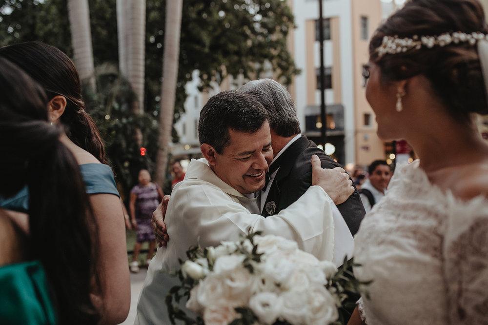 0215F&Yslide_WeddingDstination_MeridaYucatan_HaciendasMerida_BodasMexico_BodasYucatan_Boda_Destino.jpg