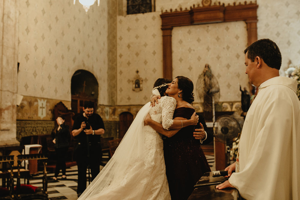 0233F&Yslide_WeddingDstination_MeridaYucatan_HaciendasMerida_BodasMexico_BodasYucatan_Boda_Destino.jpg