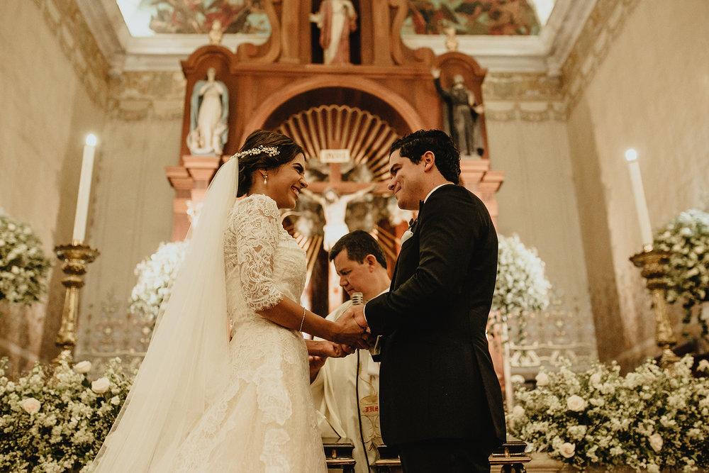 0241F&Yslide_WeddingDstination_MeridaYucatan_HaciendasMerida_BodasMexico_BodasYucatan_Boda_Destino.jpg