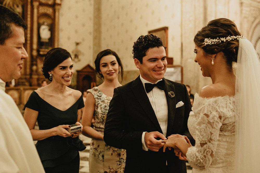 0247F&Yslide_WeddingDstination_MeridaYucatan_HaciendasMerida_BodasMexico_BodasYucatan_Boda_Destino.jpg