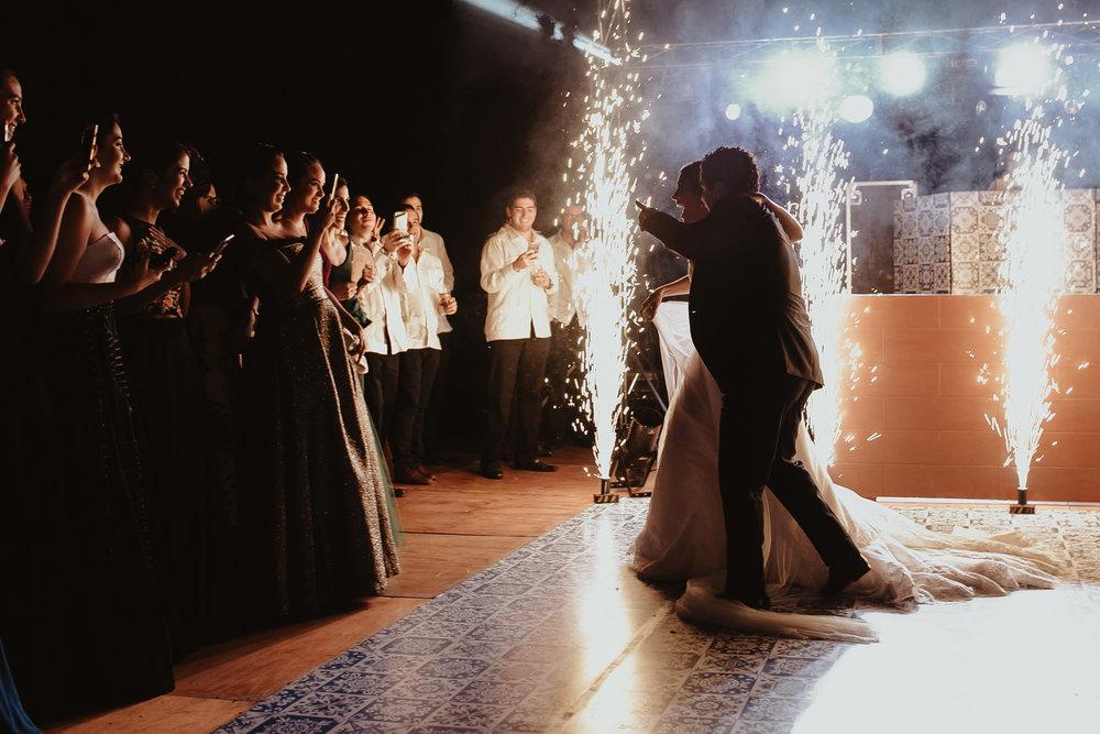 0288F&Yslide_WeddingDstination_MeridaYucatan_HaciendasMerida_BodasMexico_BodasYucatan_Boda_Destino.jpg