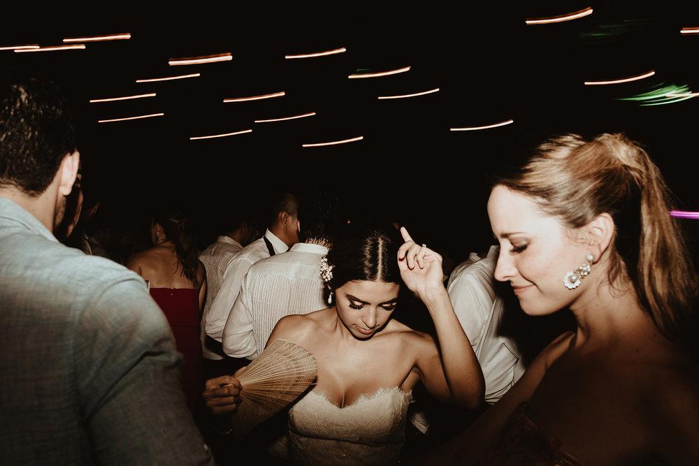 0391F&Yslide_WeddingDstination_MeridaYucatan_HaciendasMerida_BodasMexico_BodasYucatan_Boda_Destino.jpg