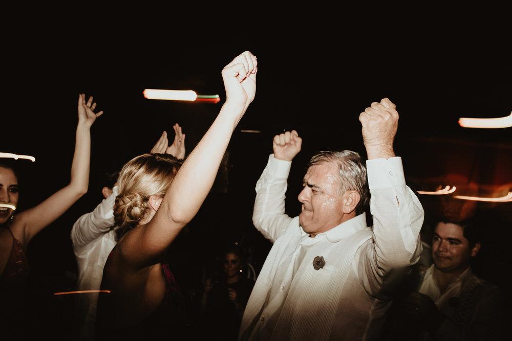 0403F&Yslide_WeddingDstination_MeridaYucatan_HaciendasMerida_BodasMexico_BodasYucatan_Boda_Destino.jpg