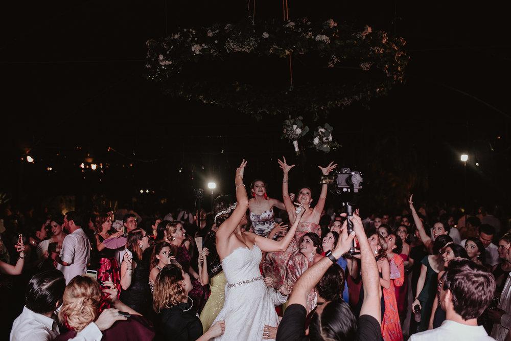 0443F&Yslide_WeddingDstination_MeridaYucatan_HaciendasMerida_BodasMexico_BodasYucatan_Boda_Destino.jpg