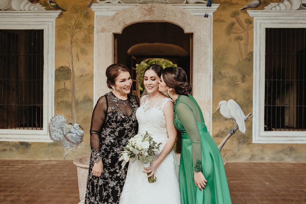 0139E&ARslide_HaciendaTekikDeRegil_WeddingDstination_MeridaYucatan_HaciendasMerida_BodasMexico_BodasYucatan_Boda_Destino.jpg