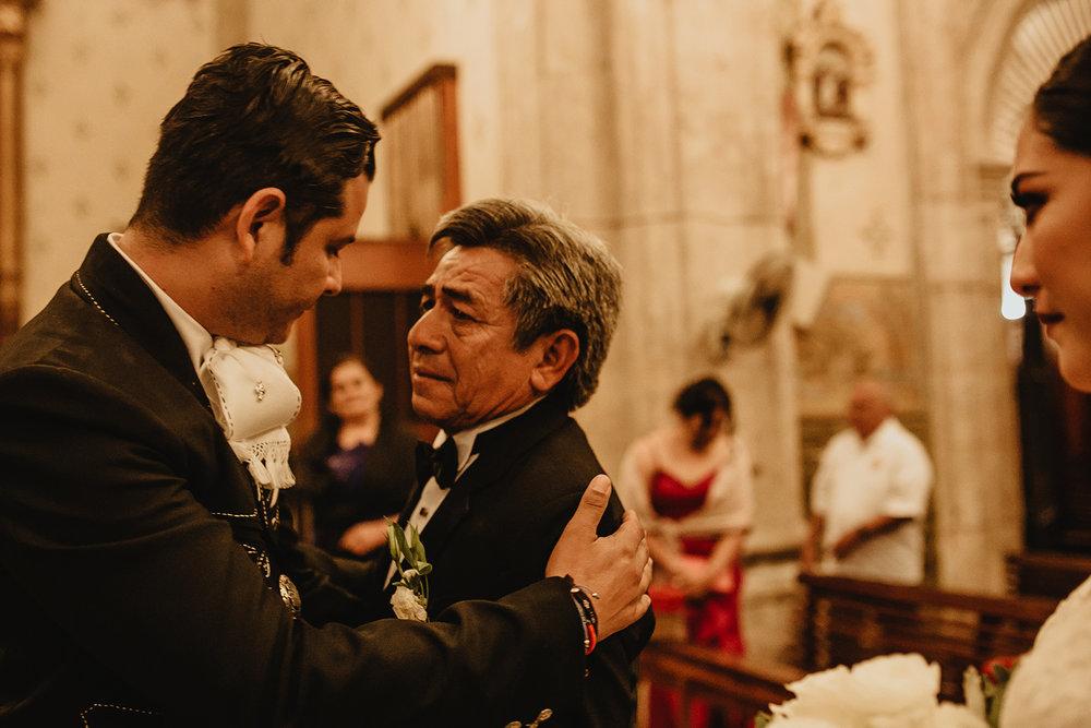 0228E&ARslide_HaciendaTekikDeRegil_WeddingDstination_MeridaYucatan_HaciendasMerida_BodasMexico_BodasYucatan_Boda_Destino.jpg