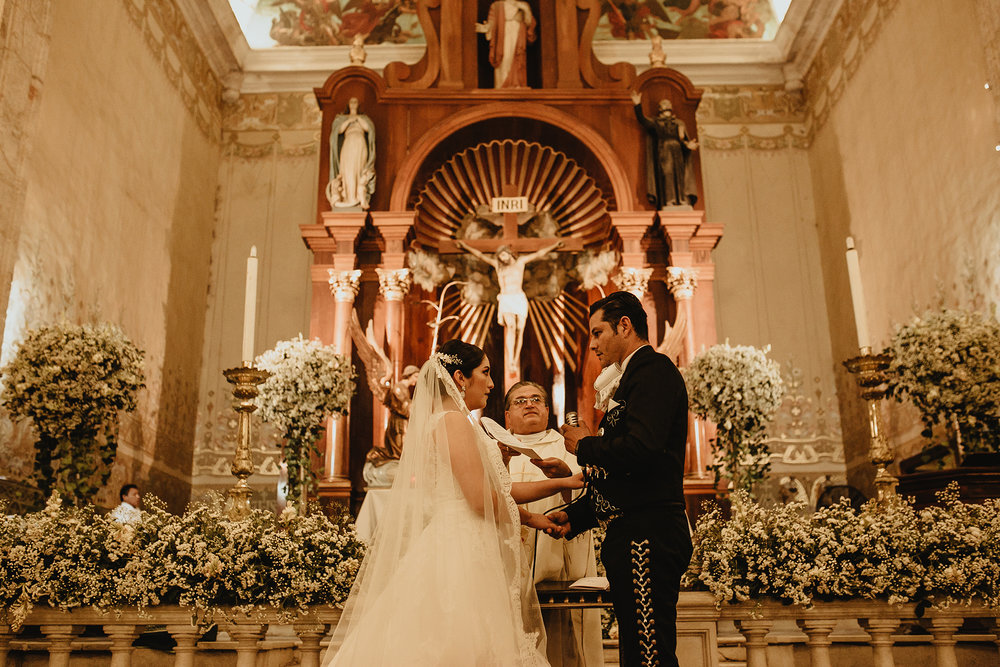 0243E&ARslide_HaciendaTekikDeRegil_WeddingDstination_MeridaYucatan_HaciendasMerida_BodasMexico_BodasYucatan_Boda_Destino.jpg
