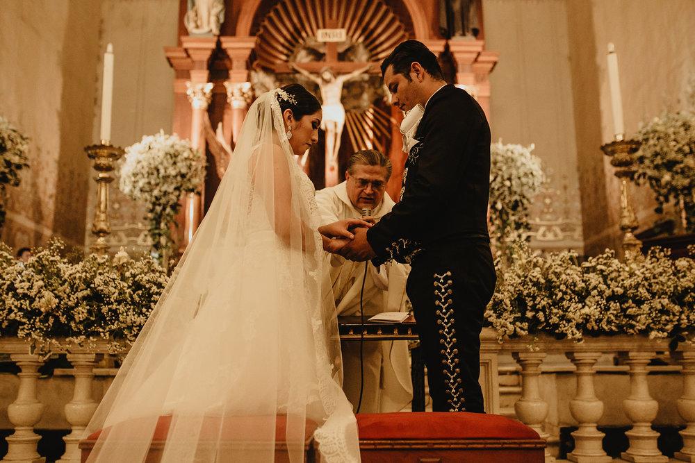 0246E&ARslide_HaciendaTekikDeRegil_WeddingDstination_MeridaYucatan_HaciendasMerida_BodasMexico_BodasYucatan_Boda_Destino.jpg