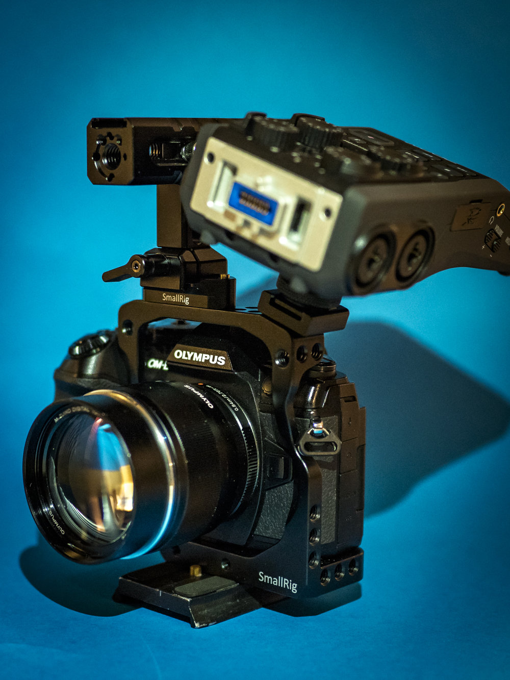 SmallRig Cage with the Zoom H6 attached