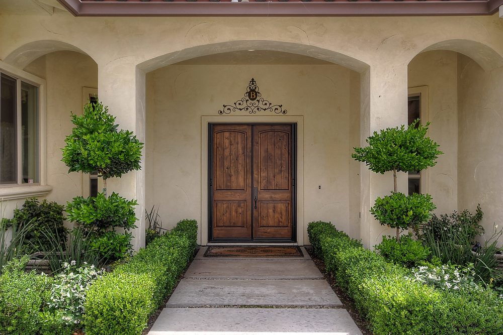 786 7th St Ripon CA 95366 USA-print-006-Front Entry Detail-3455x2303-300dpi.jpg
