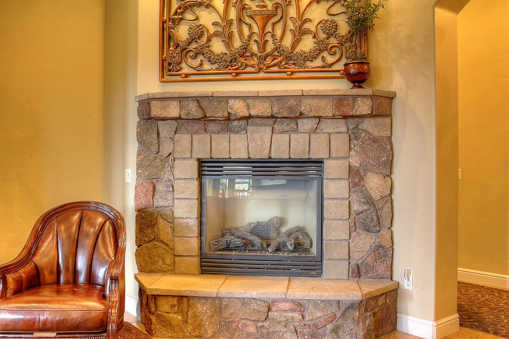 786 7th St Ripon CA 95366 USA-print-010-Fireplace Detail-3455x2303-300dpi.jpg