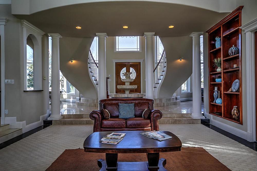 12956  Monroe Ave Los Banos CA-large-015-Living Room-1500x1000-72dpi.jpg