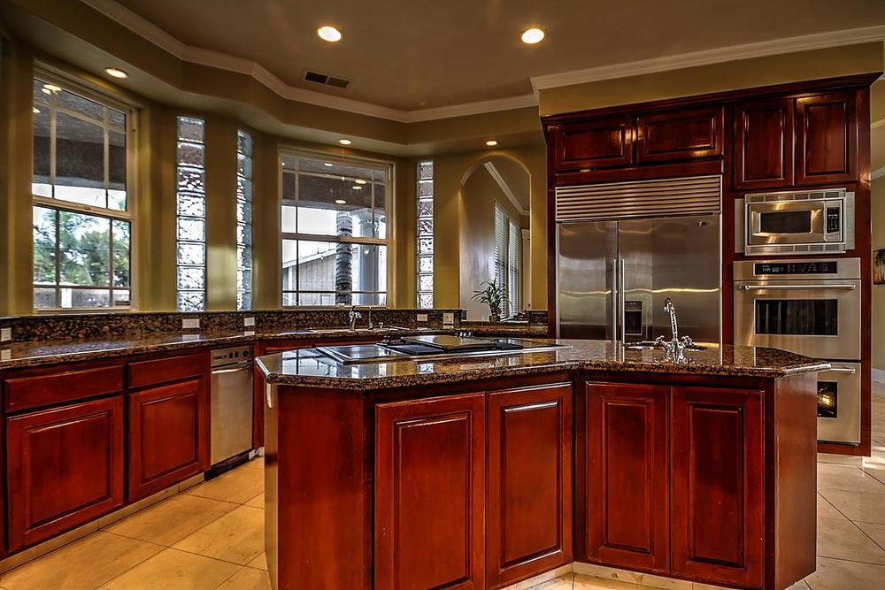 12956  Monroe Ave Los Banos CA-large-023-Kitchen-1500x1000-72dpi.jpg