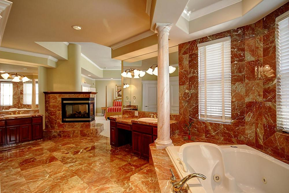 12956  Monroe Ave Los Banos CA-large-052-Master Bath-1500x1000-72dpi.jpg