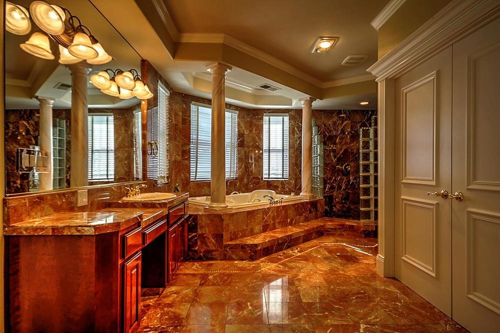 12956  Monroe Ave Los Banos CA-large-053-Master Bath-1500x1000-72dpi.jpg