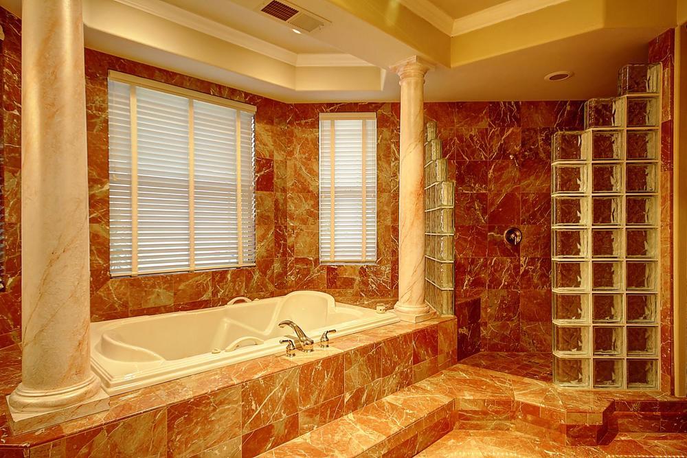 12956  Monroe Ave Los Banos CA-large-054-Master Bath-1500x1000-72dpi.jpg