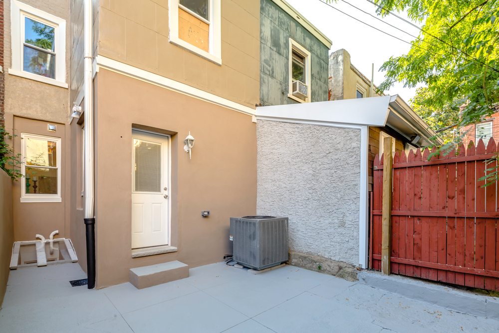 921 N 30th St-MLS-10.jpg