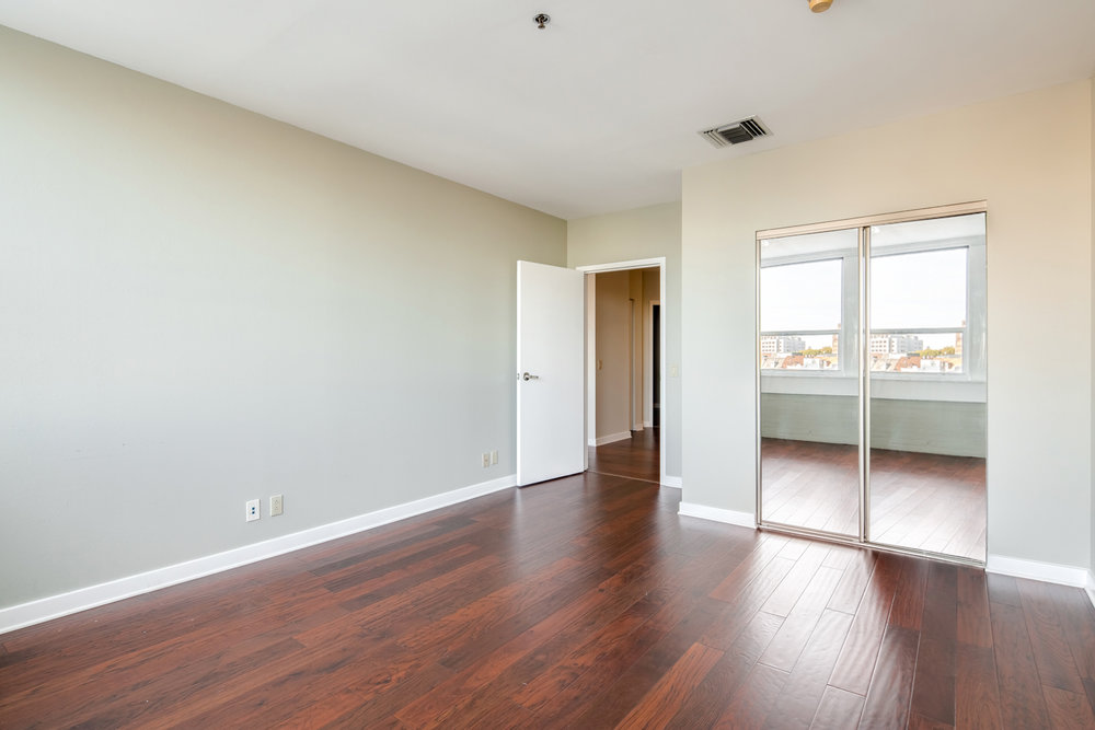 1100 Vine St-MLS-5-EDIT.jpg