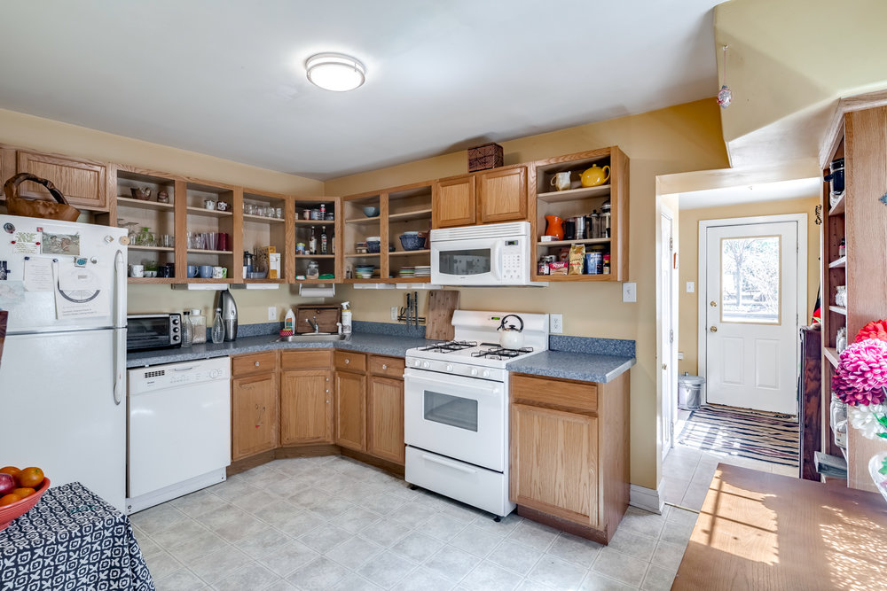 3638 Midvale Ave-MLS-14.jpg