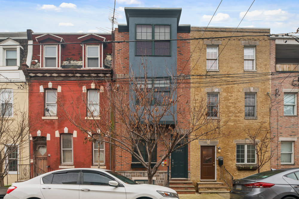 2404 Catharine St-MLS-1.jpg