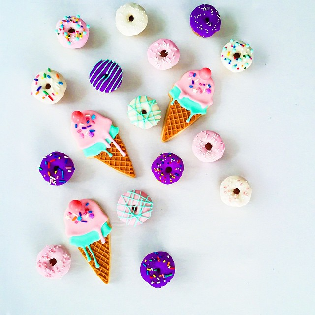 Hello, #weekend. #artisan #cookies #dessert #donuts #foodie #foodporn #instagood #igers #la #losangeles #noeycakes #pretty #sweettooth #vsco #bestofvsco #fbf #latergram