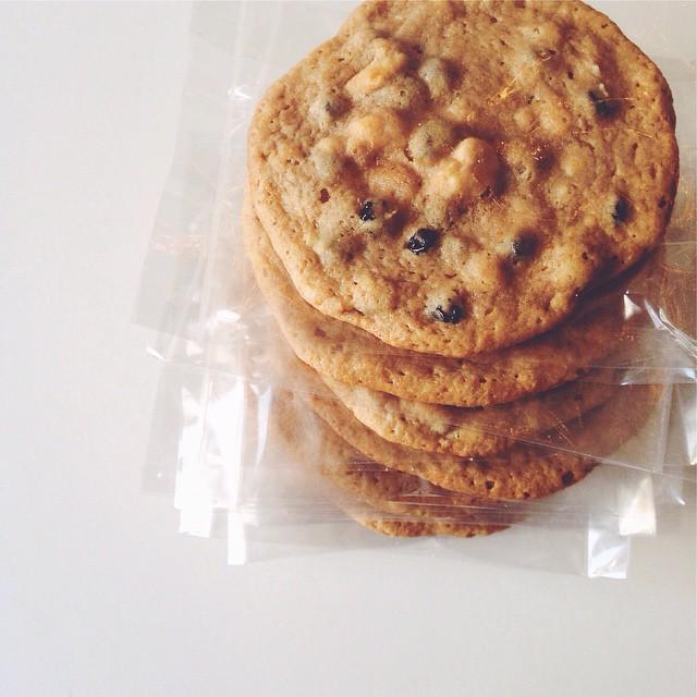More cookies going out this #weekend! 🍪🍪🍪🍪🍪🍪#artisan #cookies #dessert #foodie #foodporn #igers #igdaily #instagood #la #laeats #loveit #losangeles #noeycakes #sweettooth #snacks #vsco #vscocam #bestofvsco