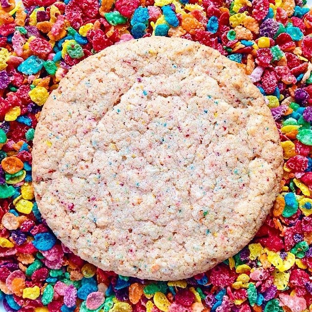 Whipping up lots of these Fruity Pebbles cookies for some very special #Easter baskets! #artisan #cookies #dessert #foodie #foodporn #handmade #igers #instagood #la #laeats #losangeles #noeycakes #pretty #vsco #bestofvsco #vscocam #cereal #weekend
