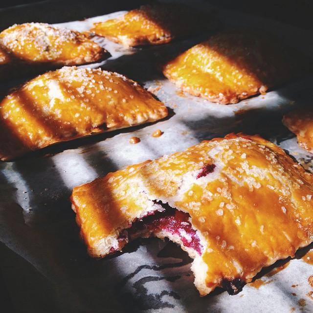 I didn't do it. #artisan #breakfast #brunch #foodie #handmade #instagood #la #laeats #losangeles #noeycakes #pastries #poptarts #pie #vsco #vscofood #bestofvsco