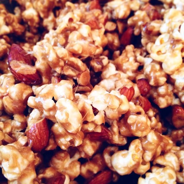 Game day snacks! #artisan #caramel #foodie #foodporn #handmade #instgood #la #laeats #noeycakes #popcorn #sweettooth #vsco #vscocam #vscophile #superbowl2015