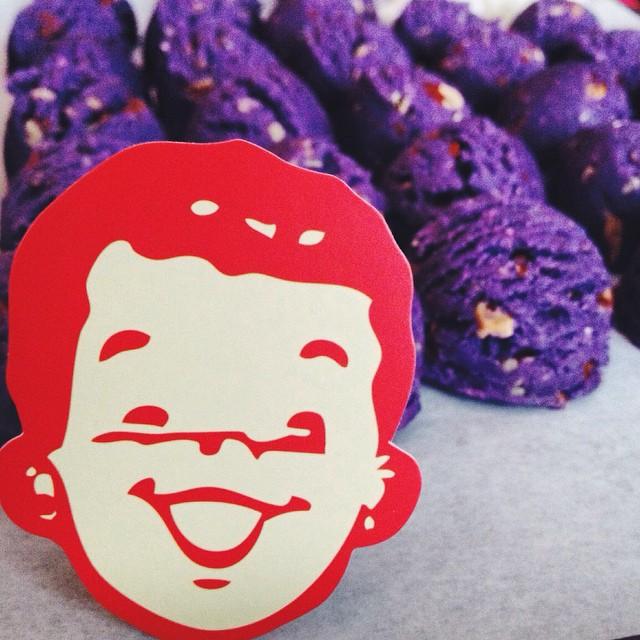 Lots of @buttermilkinc Ube cookie sets going out today! #artisan #cookies #dessert #foodie #foodporn #handmade #buttermilkinc #filipino #filipinofoodmovement #instagood #la #laeats #loveit #christmas #noeycakes #sweettooth #purpleyam #ube #vsco #vscocam #bestofvsco #losangeles